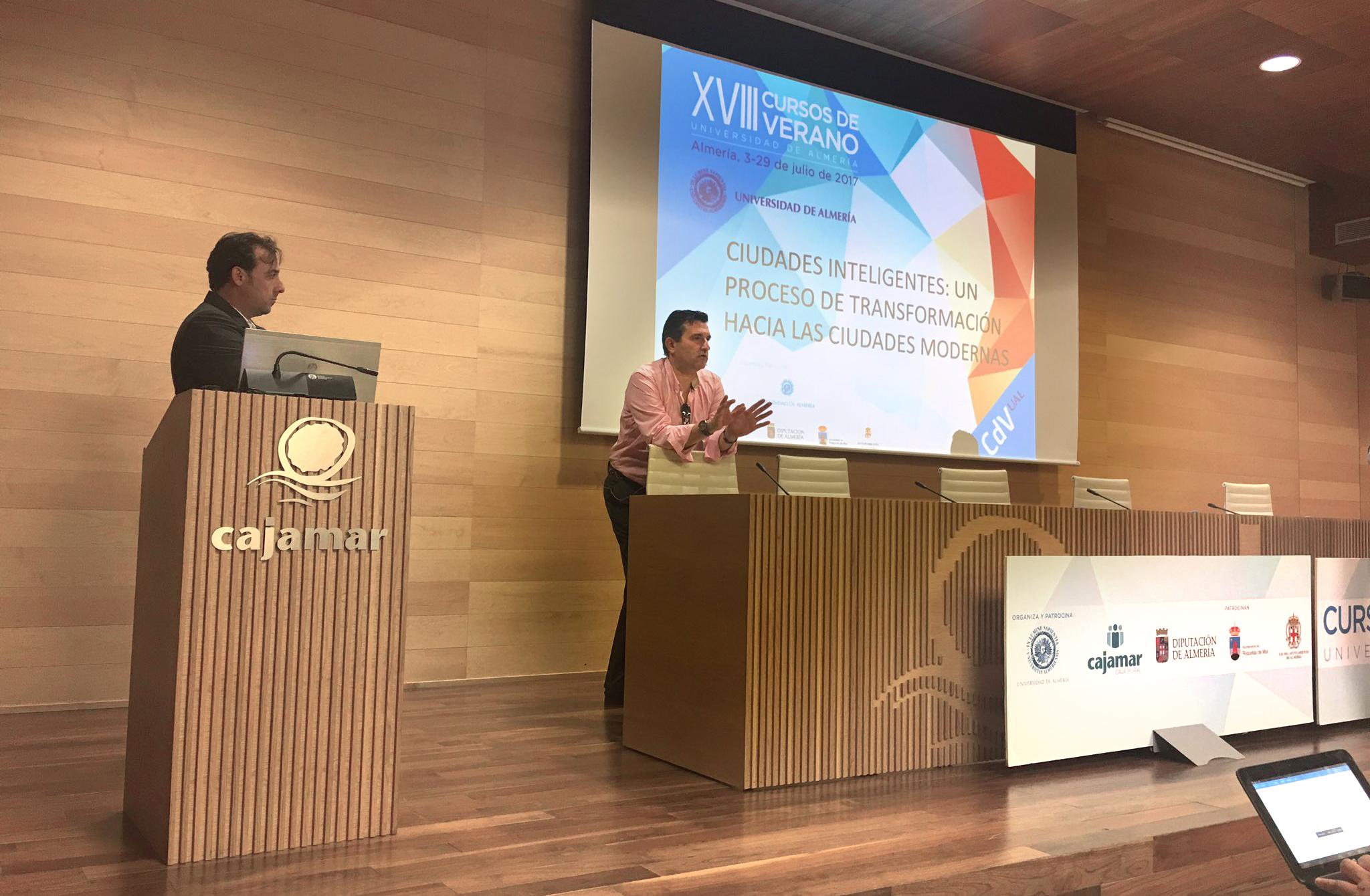 Pedro Antón, IECISA, Informática el Corte Inglés y WiFi.PRO, comparten ponencia en la jornada de Ciudades Inteligentes. Curso de Verano Universidad de Almería.